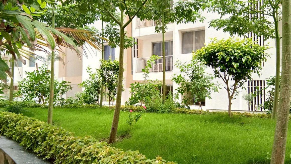 Garden Area Image of 1920 Sq.ft 3 BHK Apartment for rent in South Dum Dum for 30000