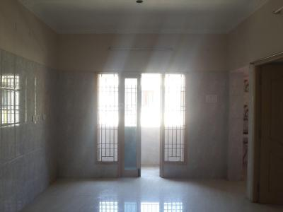 Gallery Cover Image of 900 Sq.ft 2 BHK Apartment for rent in Nangainallur for 13000