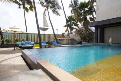 Gallery Cover Image of 4500 Sq.ft 4 BHK Independent House for rent in Juhu for 1000000