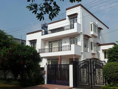 Gallery Cover Image of 2025 Sq.ft 3 BHK Independent Floor for rent in Sector 10A for 20000