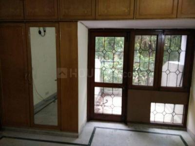Gallery Cover Image of 2200 Sq.ft 3 BHK Independent Floor for buy in Vasant Kunj for 23000000