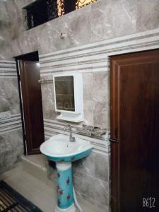 Bathroom Image of Angel Girls PG in Jhilmil Colony