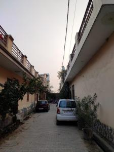 Gallery Cover Image of 1050 Sq.ft 2 BHK Villa for buy in Noida Extension for 4199000