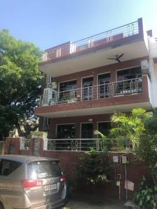 Gallery Cover Image of 5000 Sq.ft 8 BHK Independent House for buy in Kohli Malibu Homes, Sector 47 for 44000000