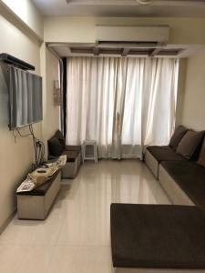Gallery Cover Image of 1450 Sq.ft 2 BHK Apartment for rent in Kharghar for 26000