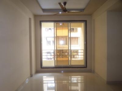 Gallery Cover Image of 650 Sq.ft 1 BHK Apartment for rent in Dombivli East for 7000