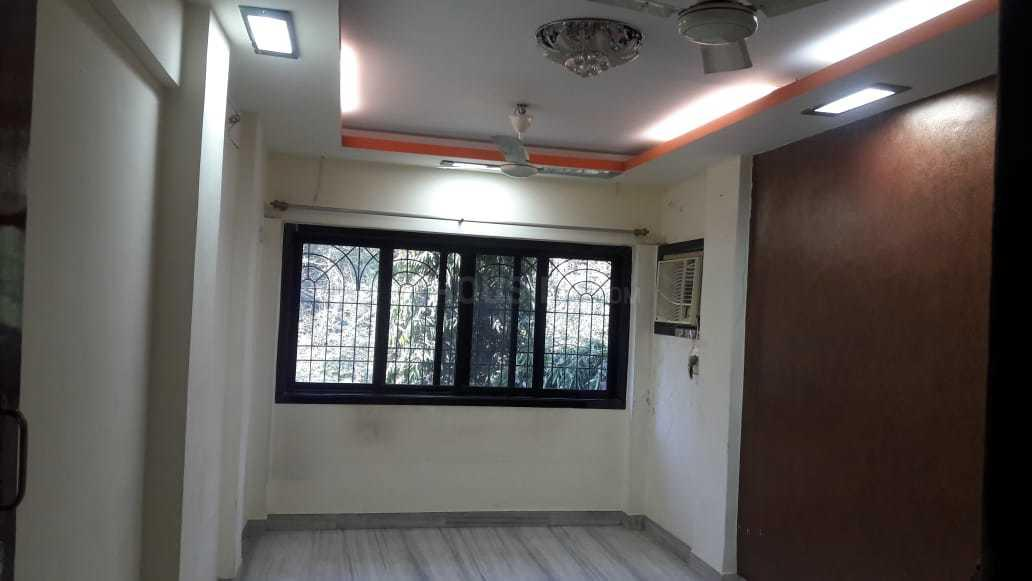 Living Room Image of 550 Sq.ft 1 BHK Apartment for rent in Mulund West for 22900