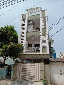 Gallery Cover Image of 3500 Sq.ft 4 BHK Apartment for buy in Hastinapuram for 13000000