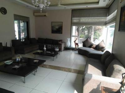 Gallery Cover Image of 12000 Sq.ft 6 BHK Independent House for buy in Chhattarpur for 160000000