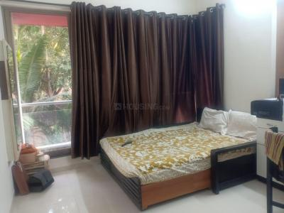 Gallery Cover Image of 1200 Sq.ft 3 BHK Apartment for rent in Fressia 3 C.H.S, Dahisar West for 35000