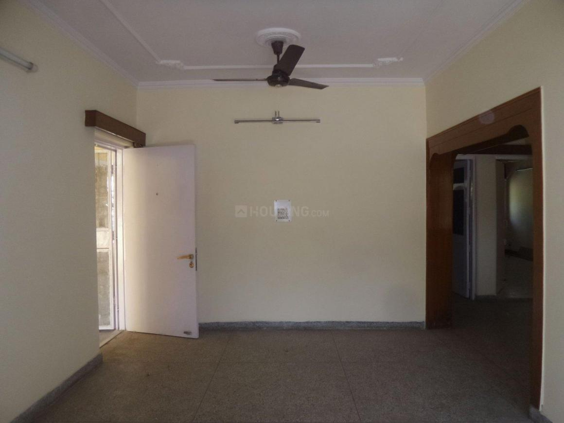 Living Room Image of 1650 Sq.ft 3 BHK Apartment for rent in Vasant Kunj for 35000