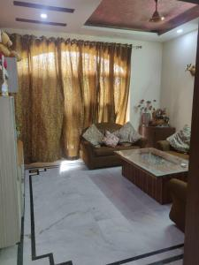 Gallery Cover Image of 2200 Sq.ft 3 BHK Independent Floor for buy in SS Mayfield Garden, Sector 51 for 10500000