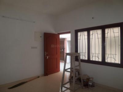 Gallery Cover Image of 850 Sq.ft 2 BHK Apartment for rent in Thiruvanmiyur for 15000