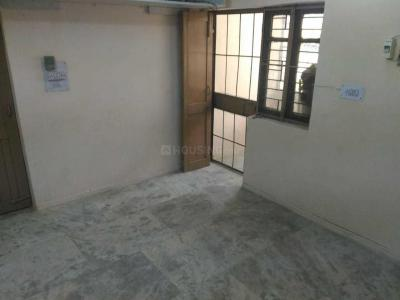 Gallery Cover Image of 400 Sq.ft 1 BHK Apartment for rent in  Sector 2 Rohini for 9000