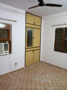 Gallery Cover Image of 900 Sq.ft 2 BHK Apartment for rent in Sector 34 for 13000