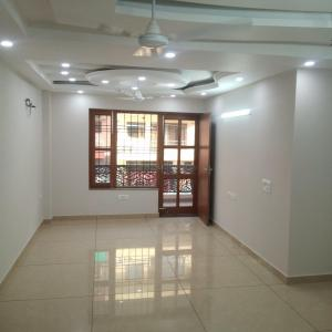 Gallery Cover Image of 1800 Sq.ft 3 BHK Independent Floor for buy in Sector 38 for 14000000