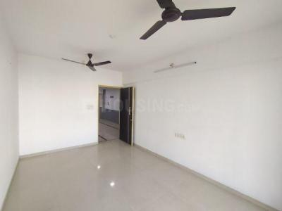Gallery Cover Image of 764 Sq.ft 2 BHK Apartment for rent in Cosmos Classique, Thane West for 20999