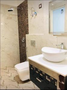 Gallery Cover Image of 3000 Sq.ft 4 BHK Independent Floor for buy in Sector 57 for 17000000