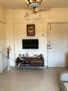 Gallery Cover Image of 632 Sq.ft 2 BHK Apartment for buy in Dosti Neptune, Wadala for 13900000