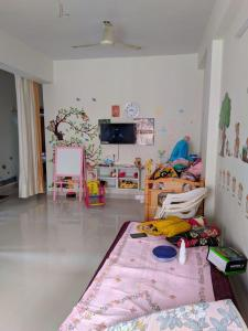 Gallery Cover Image of 1250 Sq.ft 2 BHK Apartment for rent in Kukatpally for 20000