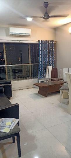 लोअर परेल में पी जी के हॉल की तस्वीर