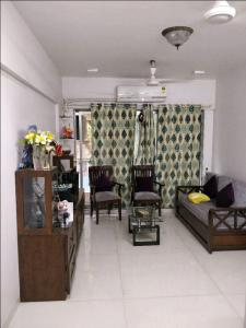 Gallery Cover Image of 840 Sq.ft 2 BHK Apartment for rent in Vile Parle East for 65000