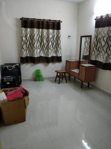 Gallery Cover Image of 1200 Sq.ft 2 BHK Apartment for rent in Valasaravakkam for 27000