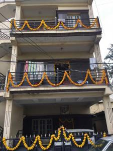 Gallery Cover Image of 4000 Sq.ft 7 BHK Independent House for buy in Sadduguntepalya for 25000000