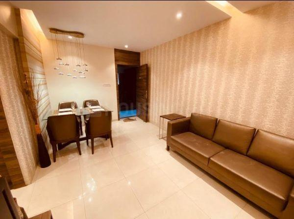 Living Room Image of 942 Sq.ft 2 BHK Apartment for buy in Anant Metropolis Insignia Towers, Kasarvadavali, Thane West for 7506280
