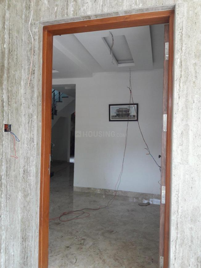 Main Entrance Image of 2400 Sq.ft 3 BHK Independent House for buy in Naigaon West for 14900000