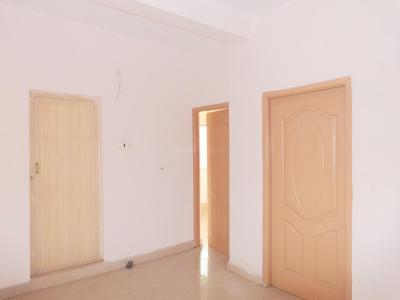 Gallery Cover Image of 750 Sq.ft 2 BHK Apartment for buy in Urapakkam for 2900000