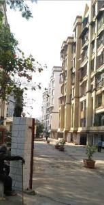 Gallery Cover Image of 750 Sq.ft 2 BHK Apartment for rent in Kandivali East for 25500