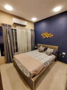 Gallery Cover Image of 550 Sq.ft 1 BHK Apartment for buy in Kandivali West for 6900000