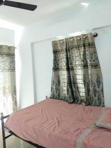 Gallery Cover Image of 1306 Sq.ft 3 BHK Apartment for rent in Kadugodi for 29000