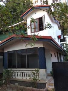 Gallery Cover Image of 1800 Sq.ft 3 BHK Independent House for buy in Poothole for 8500000