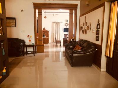 Gallery Cover Image of 3000 Sq.ft 4 BHK Apartment for rent in Velachery for 70000