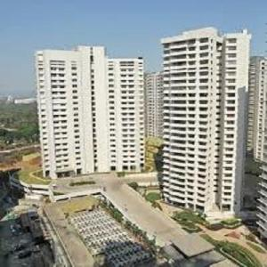 Gallery Cover Image of 3120 Sq.ft 4 BHK Apartment for rent in Powai for 200000