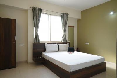 Bedroom Image of Oyo Life Pun533 in Hinjewadi
