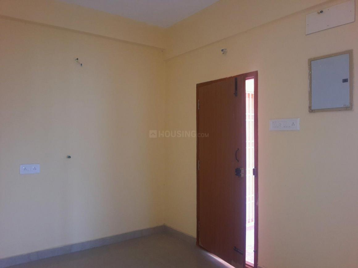Living Room Image of 815 Sq.ft 2 BHK Apartment for buy in Kundrathur for 2900000