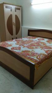 Gallery Cover Image of 700 Sq.ft 1 BHK Apartment for rent in RWA Chittaranjan Park Block E, Chittaranjan Park for 17500
