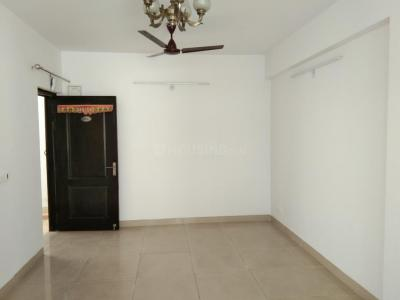 Gallery Cover Image of 1060 Sq.ft 2 BHK Apartment for rent in Omicron III Greater Noida for 10000