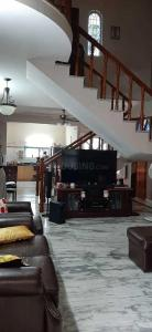 Gallery Cover Image of 3000 Sq.ft 3 BHK Independent House for rent in Koramangala for 65000