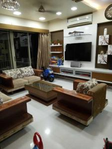 Gallery Cover Image of 2200 Sq.ft 3 BHK Apartment for rent in Lodha Golflinks, Khidkali for 35000