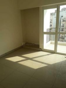 Gallery Cover Image of 975 Sq.ft 2 BHK Apartment for rent in Panchsheel Pinnacle, Noida Extension for 8500