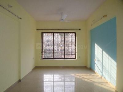 Gallery Cover Image of 850 Sq.ft 2 BHK Apartment for rent in Lokhandwala Spring Leaf Tower, Kandivali East for 28000
