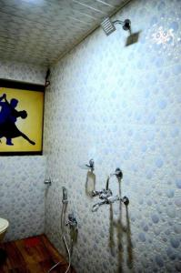 Common Bathroom Image of PG For Boys in Malad West