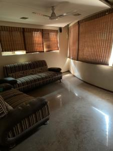 Gallery Cover Image of 2700 Sq.ft 4 BHK Villa for buy in Vastrapur for 27500000