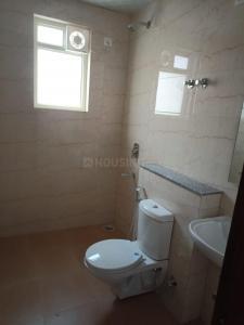 Bathroom Image of Girls PG in Sector 39