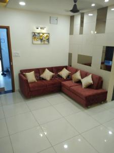 Gallery Cover Image of 980 Sq.ft 3 BHK Apartment for buy in Bhayli for 3200000
