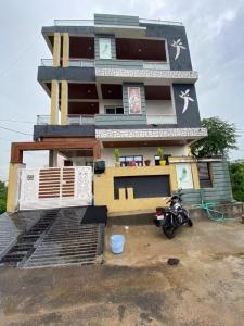 Gallery Cover Image of 1920 Sq.ft 4 BHK Villa for buy in Bedla for 12500000